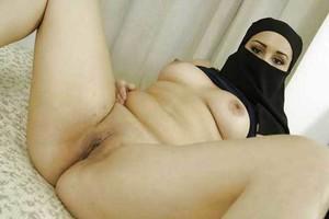 Arab-wife-spread-naked-%5Bx23%5D-77cam6mc7k.jpg