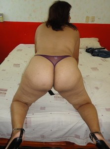 Mexican-Mature-Amateur-Mom-x15-p7c8auudfh.jpg